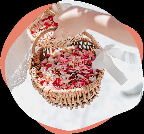 Blumenkorb mit Blüten – Hochzeitszeremonie Meike Schüttkus